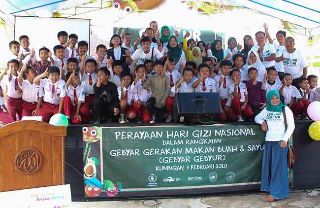 Program Gizi Anak Sekolah: Promoting Fruits and Vegetables Consumption among School Children through Community Campaigning